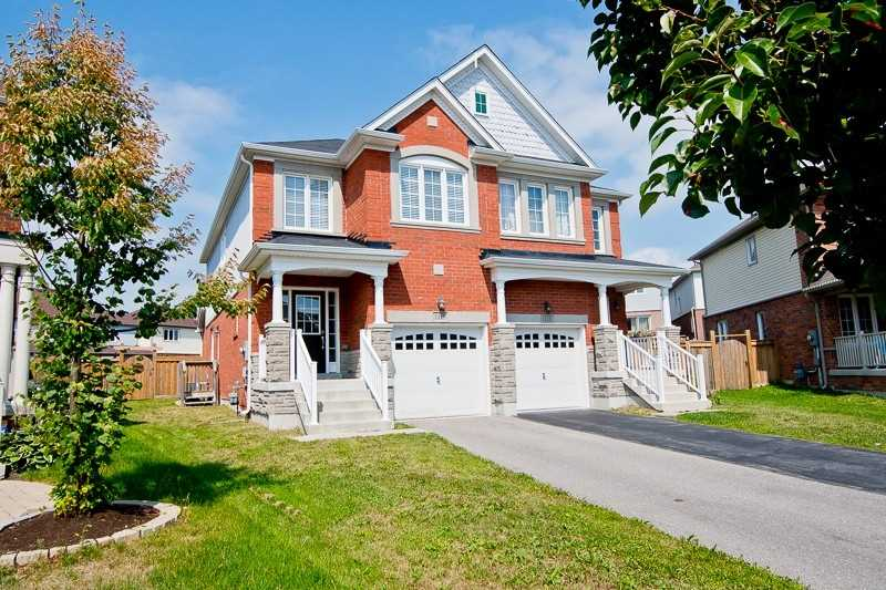 Semi-Detached for Rent in 1115 Schooling Dr